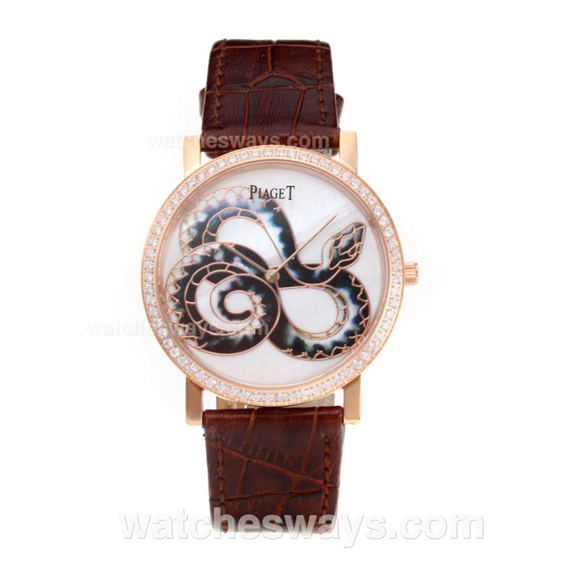 Réplique Piaget Dragon & Phoenix Collection Montre Lunette Sertie De Diamants Boîtier En Or Rose Avec Cadran Blanc Bracelet En Cuir - 1 197522
