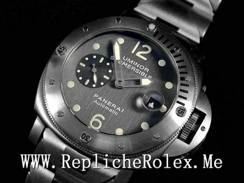 Replique Montre Panerai Luminor Submersible 13204
