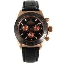 Replique Rolex Daytona automatique Rose lunette en céramique avec boîtier en or bracelet en cuir noir Cadran Noir-- Attractive Rolex Daytona Montre pour vous 23174