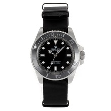 Replique Rolex Submariner Lunette Céramique automatique avec cadran noir-verre de saphir - Attractive montre Rolex Submariner 25036 pour vous