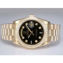 Replique Rolex Day-Date en or entièrement automatique avec lunette sertie de diamants et de marquage - Cadran Noir - Attractive montre Rolex Day Date 22633 pour vous