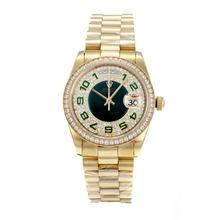 Replique Rolex Day-Date Swiss ETA 2836 Mouvement Lunette plein de diamants en or avec cadran vert et marqueurs Nombre - Attractive montre Rolex Day Date 22263 pour vous