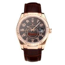 Replique Rolex Sky Dweller automatique boîtier en or rose avec cadran café-bracelet en cuir-verre de saphir 24953