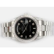 Replique Rolex Day-Date Swiss ETA 2836 Mouvement avec sangle de diamant et lunette - Attractive montre Rolex Day Date 22595 pour vous