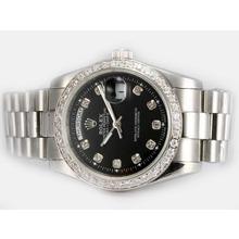 Replique Rolex Day-Date automatique Diamond Bezel et le marquage avec cadran noir - Attractive montre Rolex Day Date 22593 pour vous