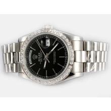 Replique Rolex Day-Date automatique lunette sertie de diamants avec cadran noir-Stick Marquage - Attractive montre Rolex Day Date 22592 pour vous