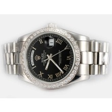 Replique Rolex Day-Date automatique lunette sertie de diamants avec cadran noir-romaine de marquage - Attractive montre Rolex Day Date 22591 pour vous