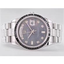 Replique Rolex Day-Date Swiss ETA 2836 Mouvement Diamant Marquage Avec Cadran Noir Ruby MOP Lunette-Bleu - Attractive montre Rolex Day Date 22488 pour vous