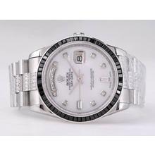 Replique Rolex Day-Date Swiss ETA 2836 Mouvement Diamant Marquage Avec rubis noir Lunette-Cadran Blanc - Attractive montre Rolex Day Date 22487 pour vous