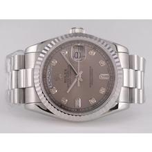 Replique Rolex Day-Date Swiss ETA 2836 Mouvement avec cadran gris-Diamant Marquage - Attractive montre Rolex Day Date 22428 pour vous