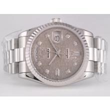 Replique Rolex Day-Date Swiss ETA 2836 Mouvement avec cadran gris ordinateur-Diamant Marquage - Attractive montre Rolex Day Date 22424 pour vous