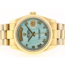 Replique Rolex Day-Date Swiss ETA 2836 Mouvement d'or complète avec MOP Dial bleu-romaine de marquage - Attractive montre Rolex Day Date 22378 pour vous