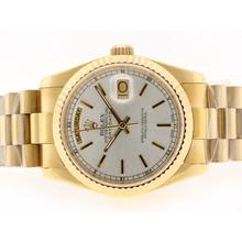 Replique Rolex Day-Date Swiss ETA 2836 Mouvement d'or complète avec cadran argenté Bâton-Marquage - Attractive montre Rolex Day Date 22350 pour vous