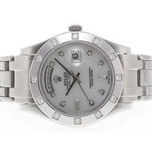 Replique Rolex Masterpiece suisse ETA 2836 Mouvement Diamant Marquage avec cadran MOP - Attractive montre Rolex Masterpiece pour vous 24575