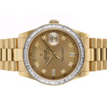 Replique Rolex Day-Date Swiss ETA 2836 Mouvement complet Or CZ Diamond Bezel avec Golden Dial-même Structure suisse Version haute-- Attractive montre Rolex Day Date 22316 pour vous