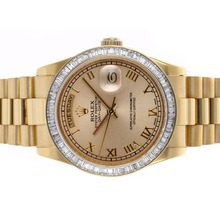 Replique Rolex Day-Date Swiss ETA 2836 Mouvement complet Or CZ Diamond Bezel avec Golden Dial-même Structure suisse Version haute-- Attractive montre Rolex Day Date 22315 pour vous