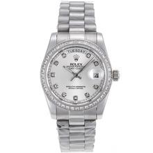 Replique Rolex Day-Date automatique lunette Diamant Marquage et avec Cadran Argent S / S-verre de saphir - Attractive montre Rolex Day Date 22304 pour vous