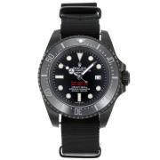 Replique Rolex Submariner automatique avec cadran noir et bracelet en nylon vintage en édition lunette 15852