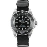Replique Rolex Submariner automatique avec cadran noir et bracelet en nylon vintage en édition lunette 15859