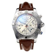 Replique Breitling classique suisse Valjoux 7750 Mouvement avec cadran blanc-verre de saphir-bracelet en cuir 26033