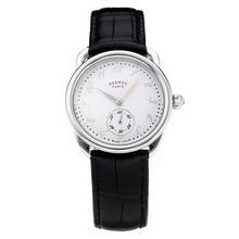 Replique Hermes Arceau avec cadran blanc-bracelet en cuir noir-verre de saphir 36672