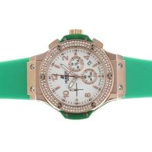 Replique Hublot Big Bang chronographe en or rose de travail cadran blanc diamant lunette cas avec bracelet vert - Attractive Hublot Big Bang Montre pour vous 30570