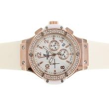 Replique Hublot Big Bang chronographe en or rose de travail lunette sertie de diamants avec cadran blanc et bracelet - Attractive Hublot Big Bang Montre pour vous 30565